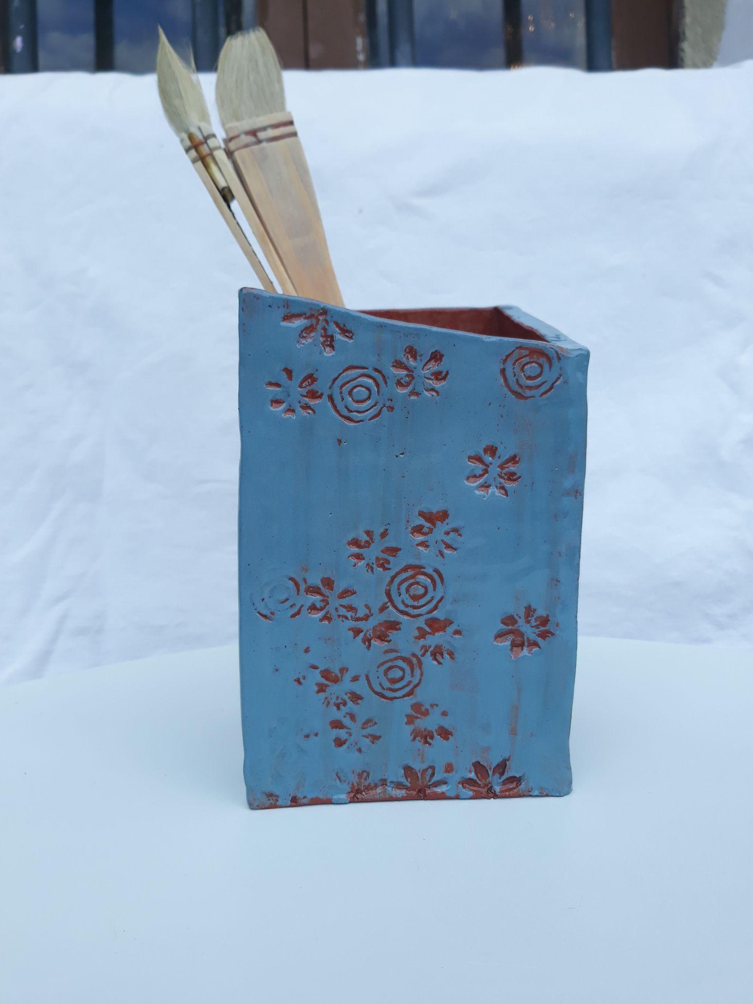 pot à pinceaux bleu